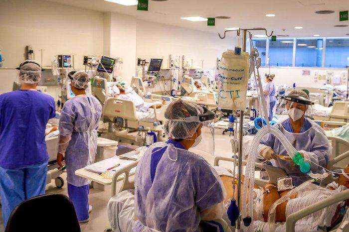 Hospitais particulares declaram risco iminente de ficar sem remédios